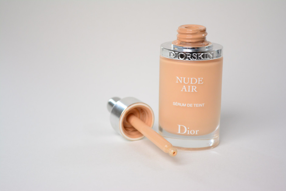 review dior nude air serum foundation a different face. Black Bedroom Furniture Sets. Home Design Ideas