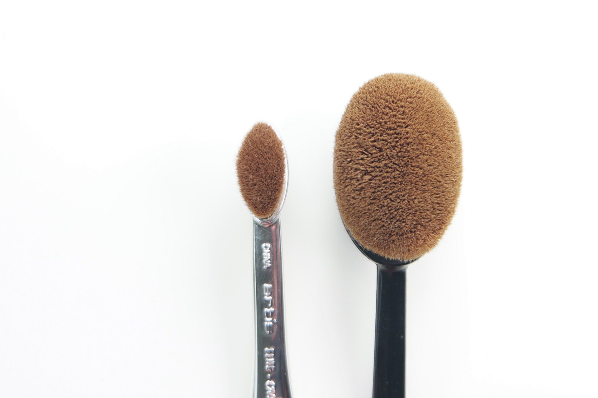 Brushes compared artis oval 3 vs ibeauty 21 a for Brush craft vs artis