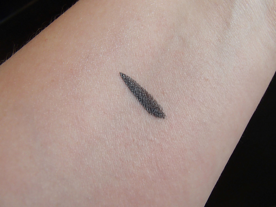Long-Lasting Eye Shadow by rouge bunny rouge #15